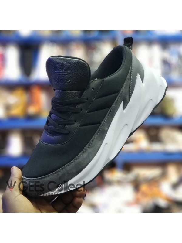adidas shark zwart